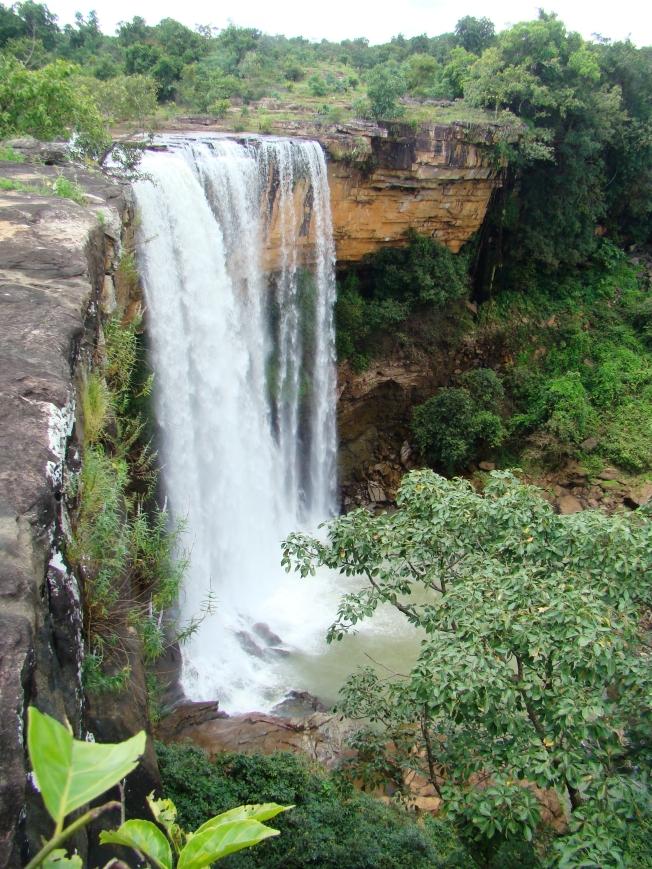 Tamra Ghoomar Waterfalls