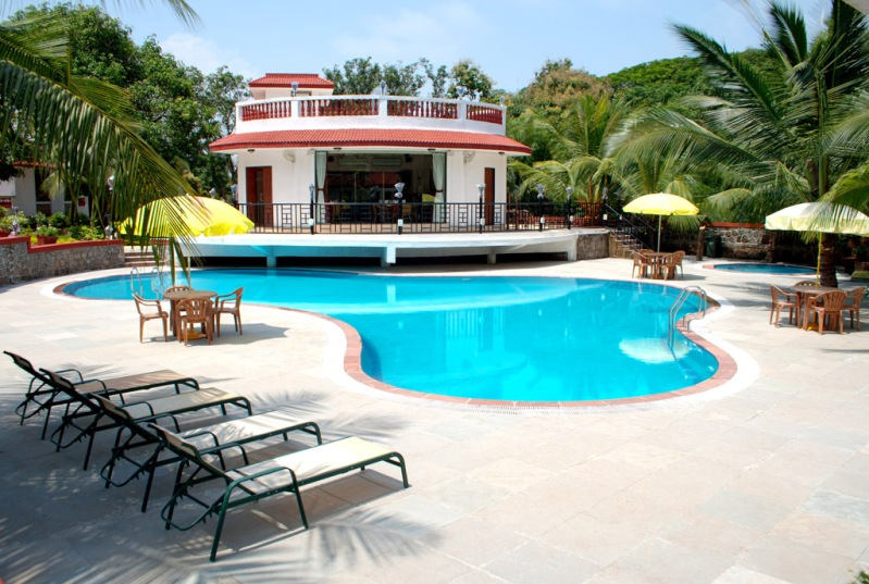 Swimming Pool at Golden Toff Resort Mumbai